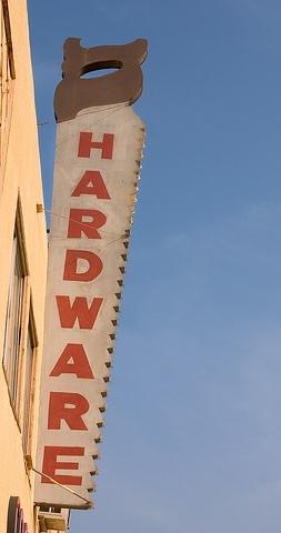 Hardware_saw_1